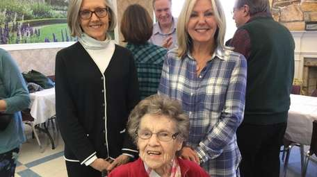 Patricia McKee, center, with her nieces Connie Norbeck