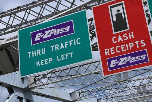 E-ZPass signs posted on the Rockland County side