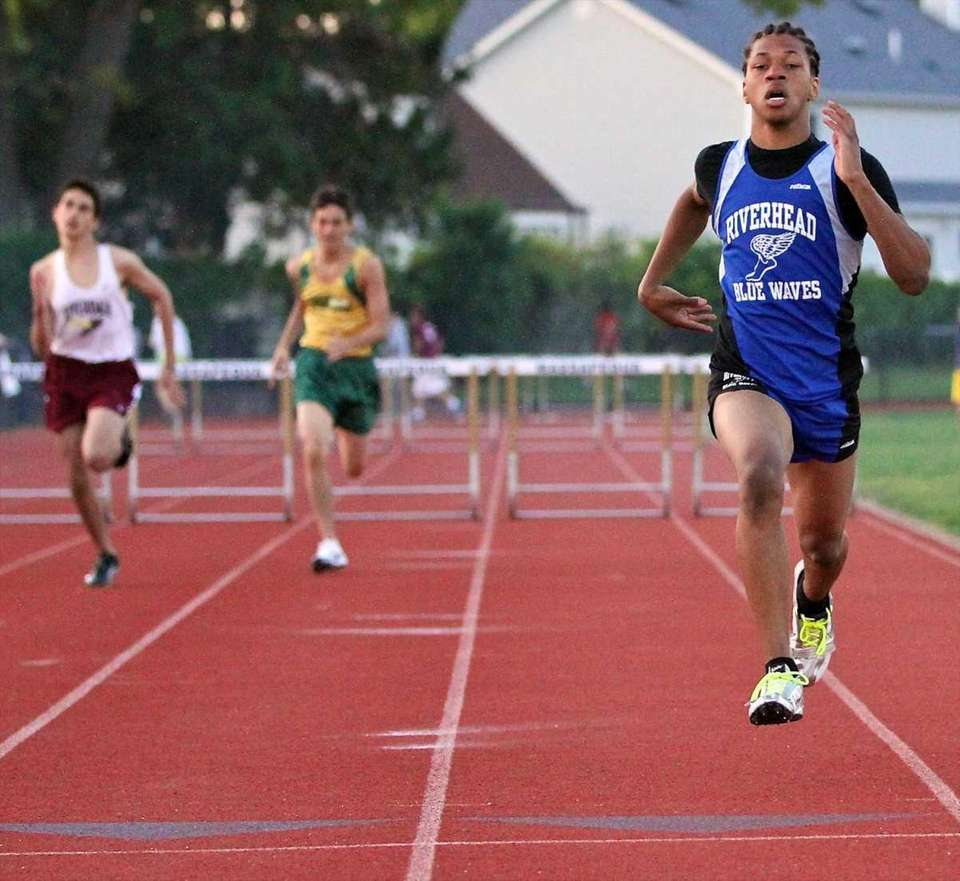 Riverhead's Andrew Smith pulls ahead of the pack