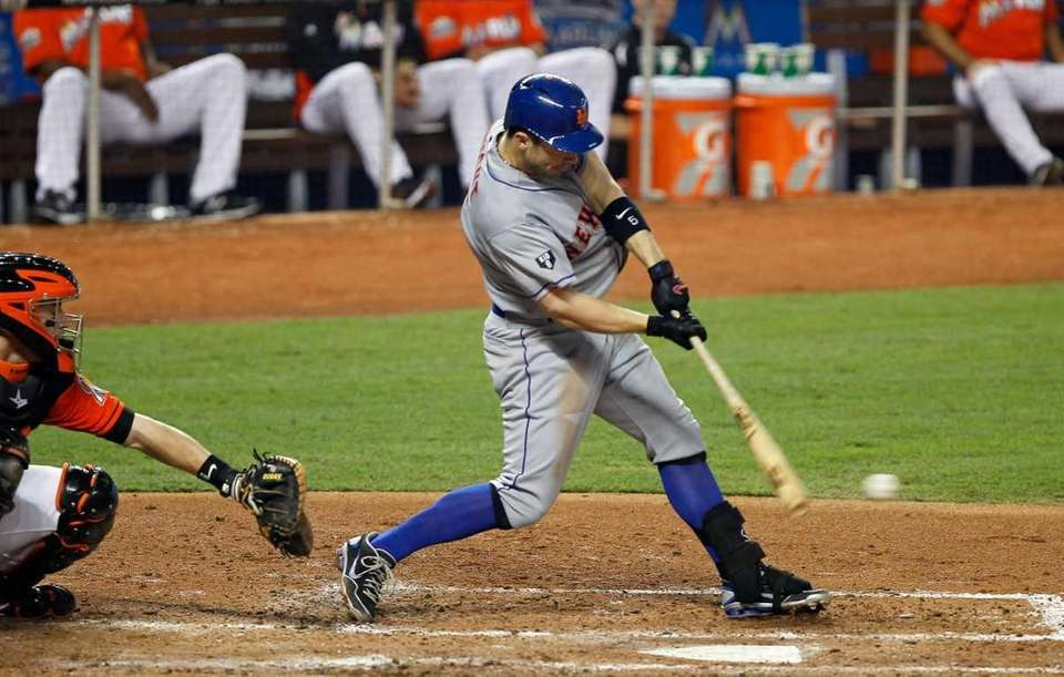 David Wright bats during a game against the