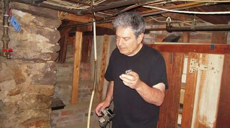 Psychic-medium and paranormal investigator Joe Giaquinto offers ghost