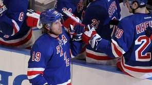 Brad Richards celebrates his first-period goal during Game