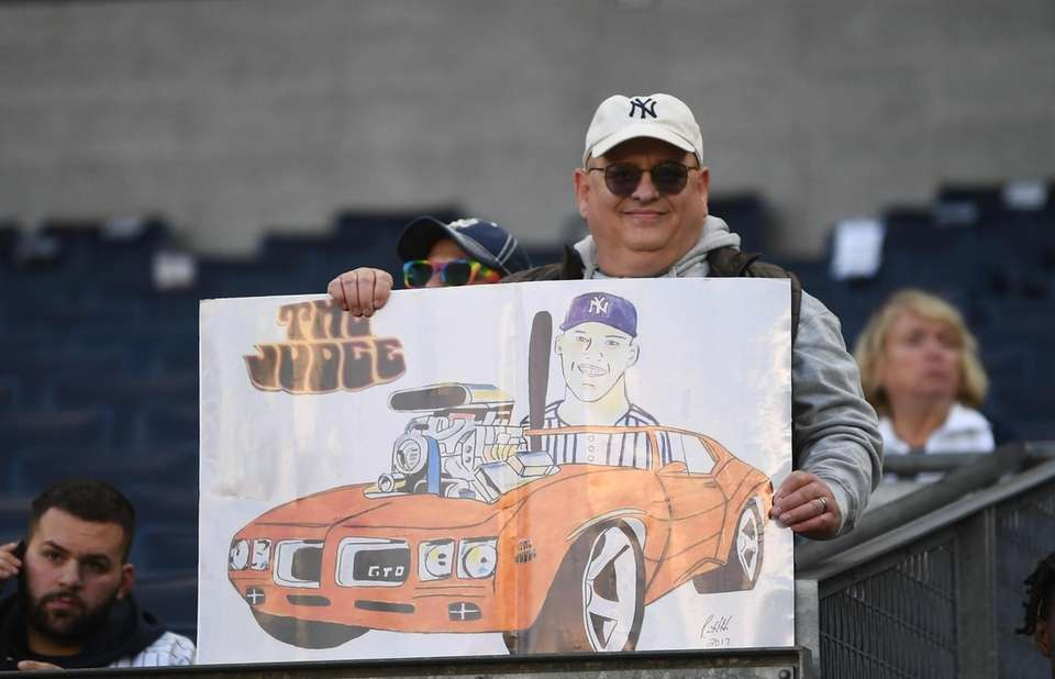 Yankee fans show their support in New York