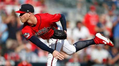 Atlanta's Mike Foltynewicz allowed only three hits in