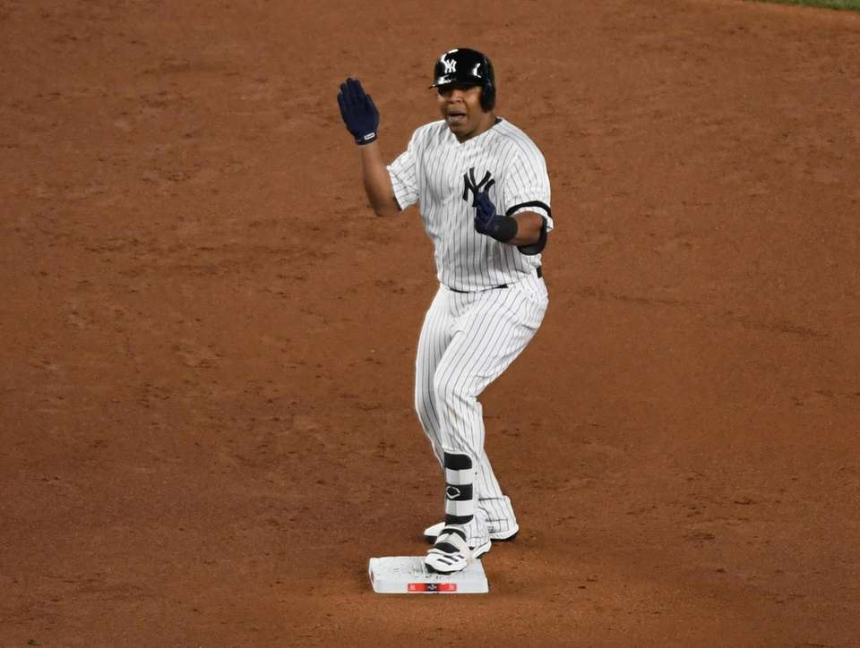 New York Yankees designated hitter Edwin Encarnacion (30)