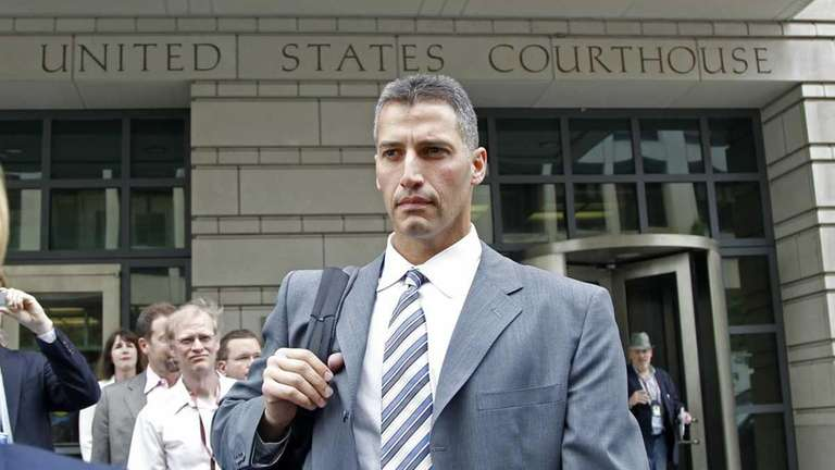 Andy Pettitte leaves Federal Court in Washington. (May