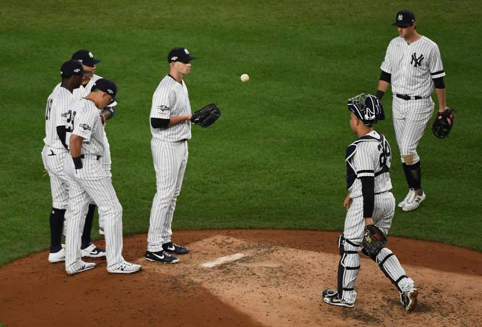 New York Yankees starting pitcher James Paxton (65)