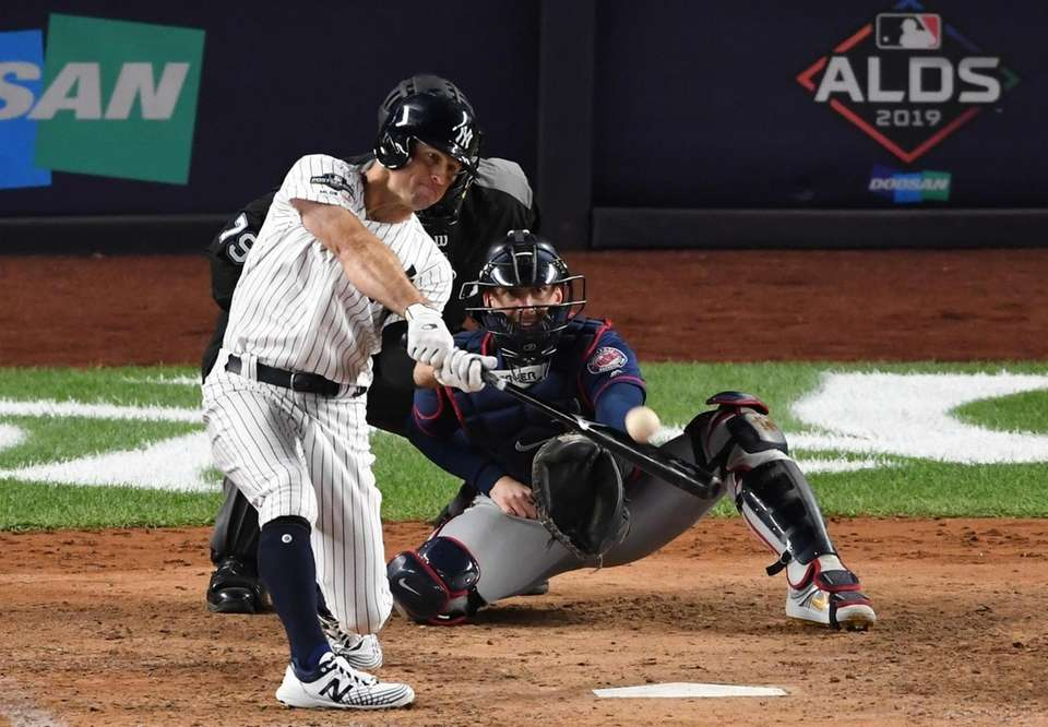 New York Yankees' Brett Gardner hits a solo