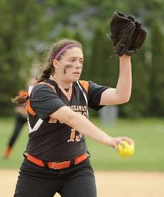 East Rockaway pitcher Gianna Cilluffo delivers in the
