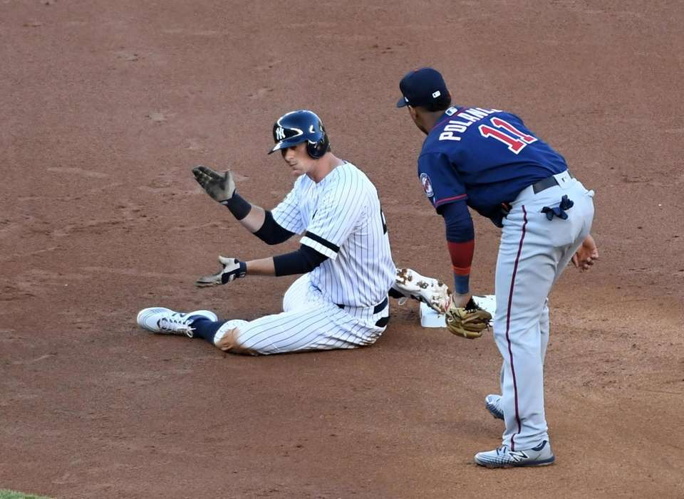 New York Yankees second baseman DJ LeMahieu (26)