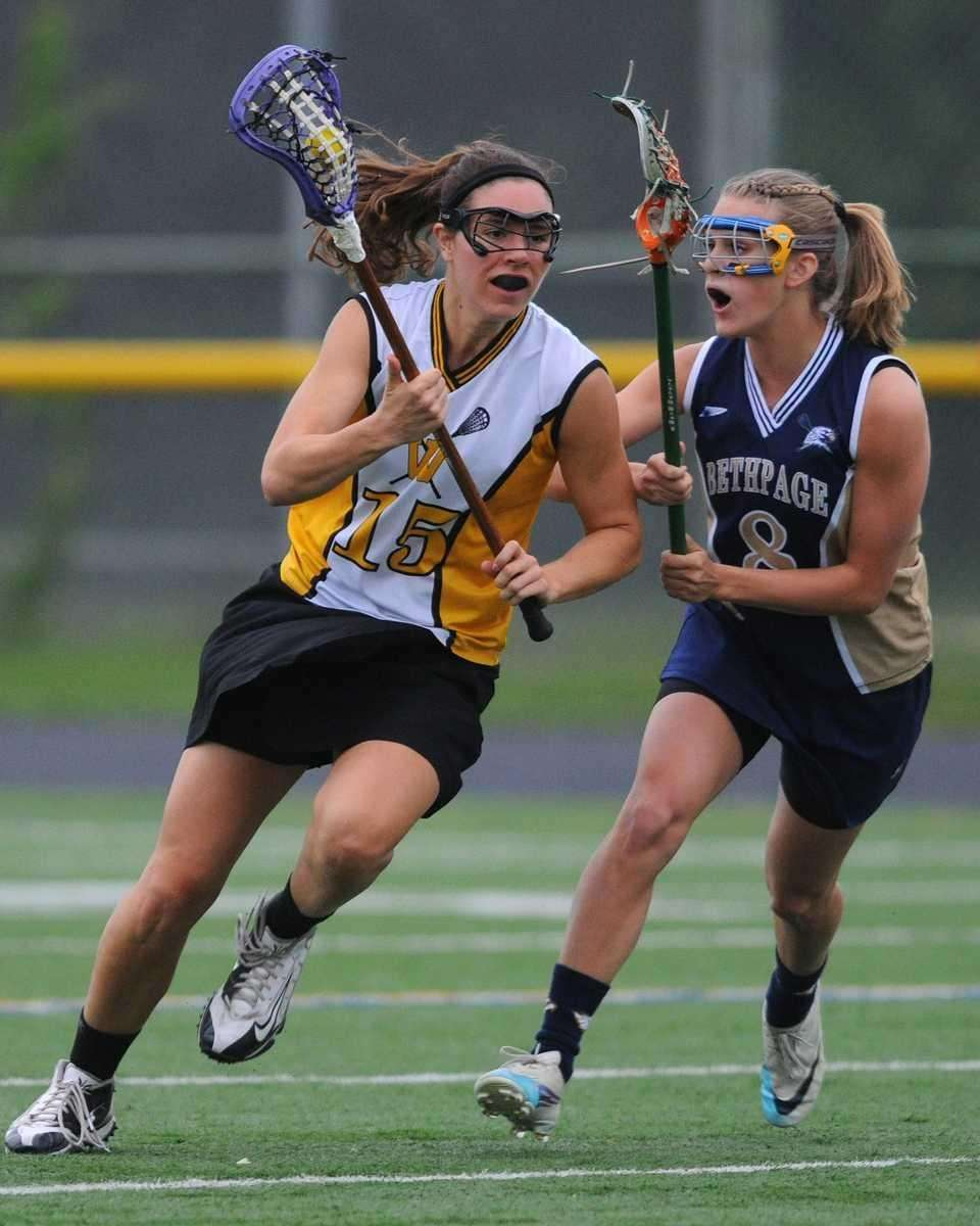 Wantagh's Kaleigh Craig, left, looks to get past