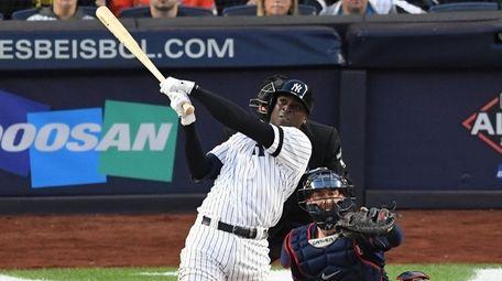 Yankees shortstop Didi Gregorius hits a grand slam