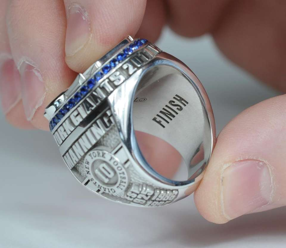 An inner engraving of the Giants' Super Bowl
