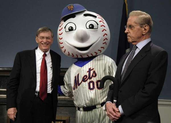 Major League Baseball Commissioner Bud Selig, left, and