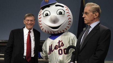 Major League Baseball Commissioner Bud Selig, left, and