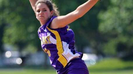 Oyster Bay starting pitcher Dana Galagno delivers a