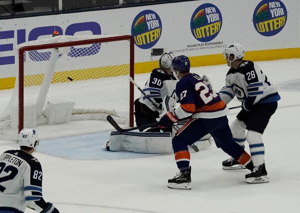 New York Islanders left wing Anders Lee (27)