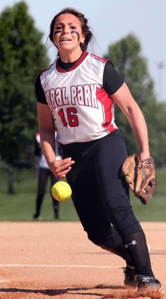 Floral Park's Samantha Giovannello pitches to Plainedge. (May