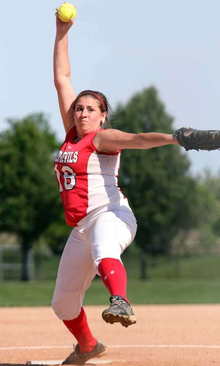 Plainedge's Kim Nowak pitches to Floral Park. (May