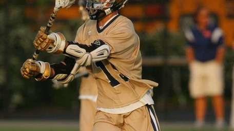 Bethpage's Nick Pombonyo passes the ball during a