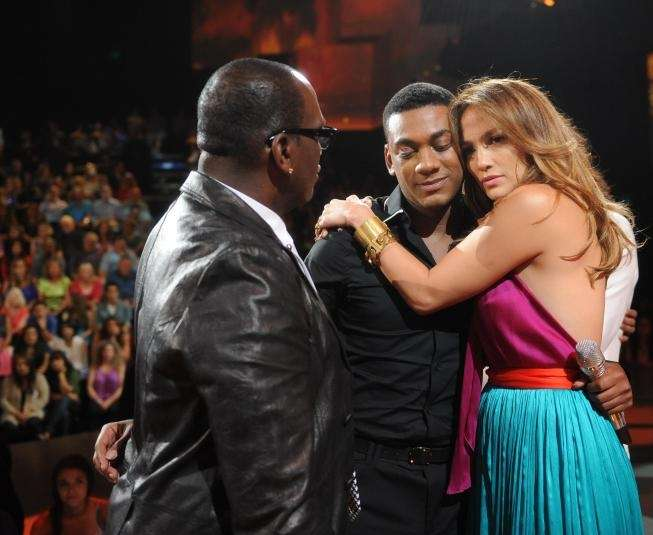 Judges Randy Jackson and Jennifer Lopez say goodbye