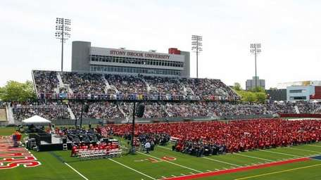 Stony Brook University's Class of 2012 participates in