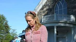 Kerry Kennedy, sister-in-law of Mary Richardson Kennedy, holds