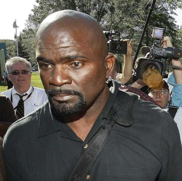 Pro Football Hall of Famer Lawrence Taylor leaves