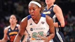 A fast break downcourt by Cappie Pondexter during