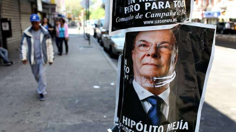 Political placards of Dominican Republic presidential candidate Hipolito