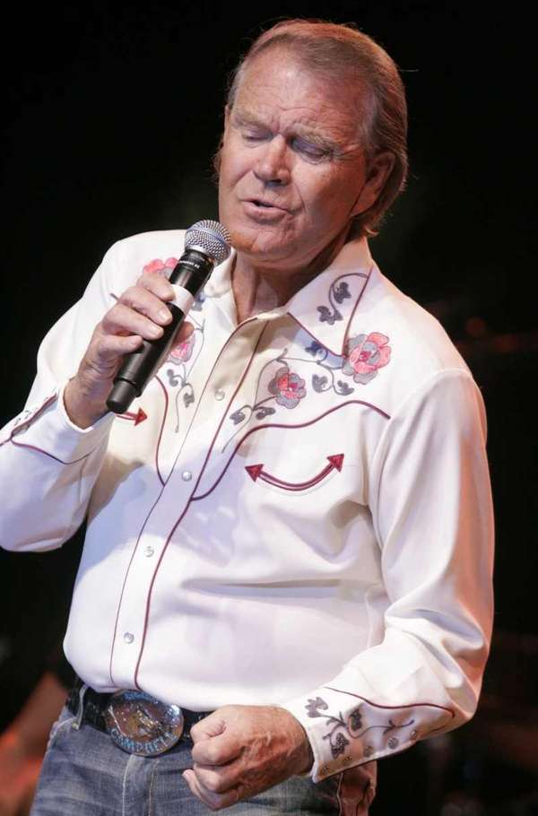 Glen Campbell performs at the Stagecoach Music Festival