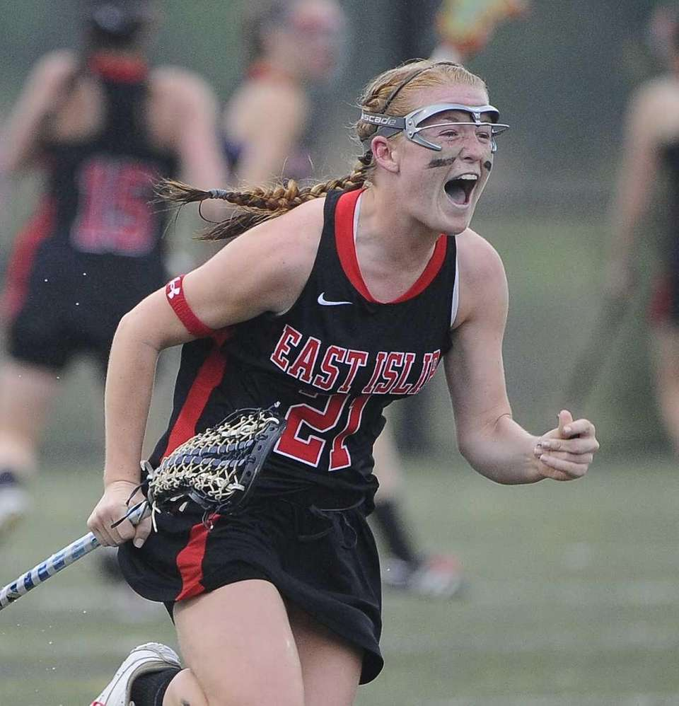 East Islip's Shannon Cummings reacts as time runs