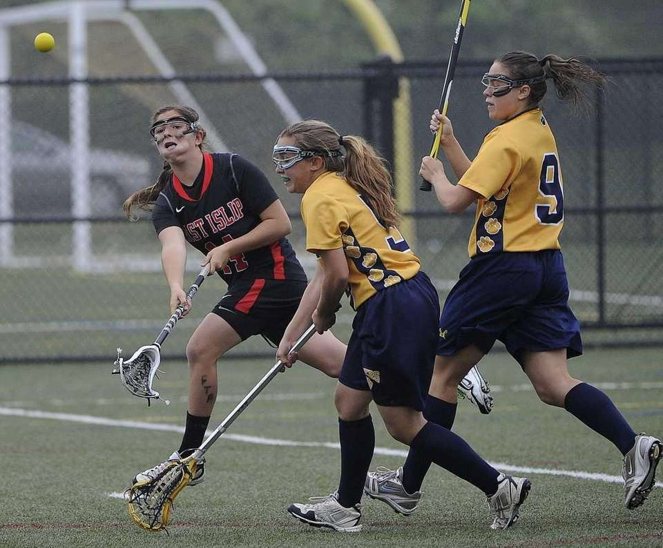 East Islip's Nicole Levy passes against Northport in
