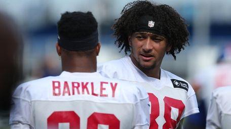 Giants tight end Evan Engram talks to running