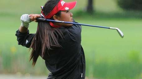 Syosset's Elizabeth Choi follows through on her second