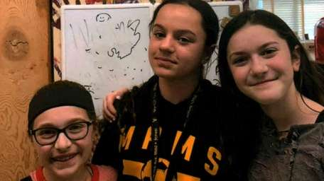 Kidsday reporters Sara Mascitelli, left, Gabriella Pernice and