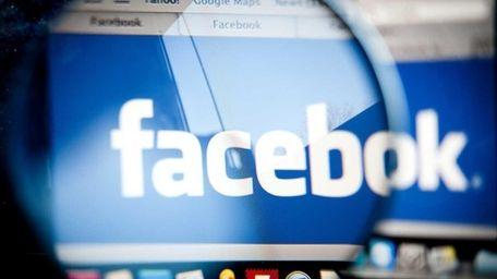Unique U.S. visitors to Facebook rose 5 percent