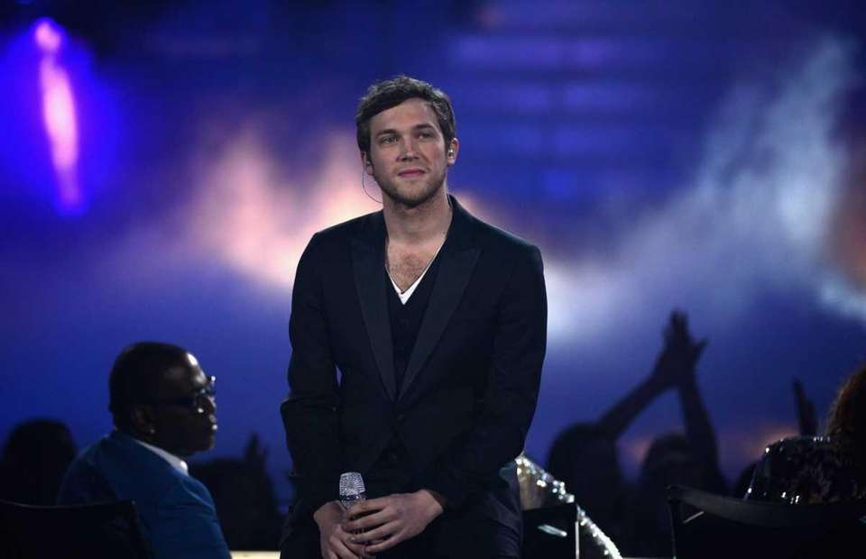 Finalist Phillip Phillips performs onstage during Fox's