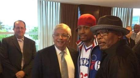 Twitter picture from Allen Iverson prior to Game
