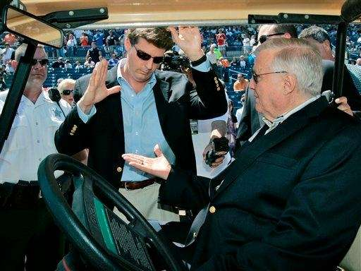New York Yankees principal owner George Steinbrenner, right,