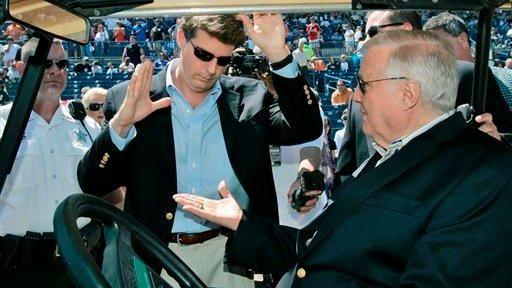 New York Yankees principal owner George Steinbrenner, right,