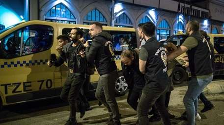 Turkish police detain supporters of the Pro Kurdish