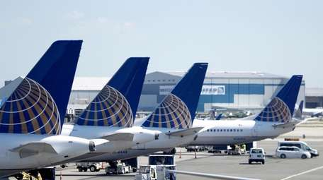United Airlines is scheduled to report quarterly earnings