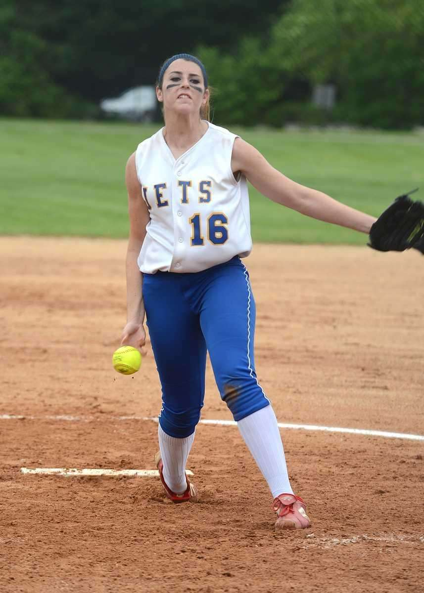 East Meadow's Kerri Shapiro pitches against MacArthur in