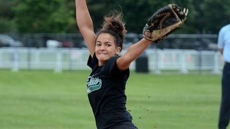 Carle Place's Ashley Cole pitched a complete game