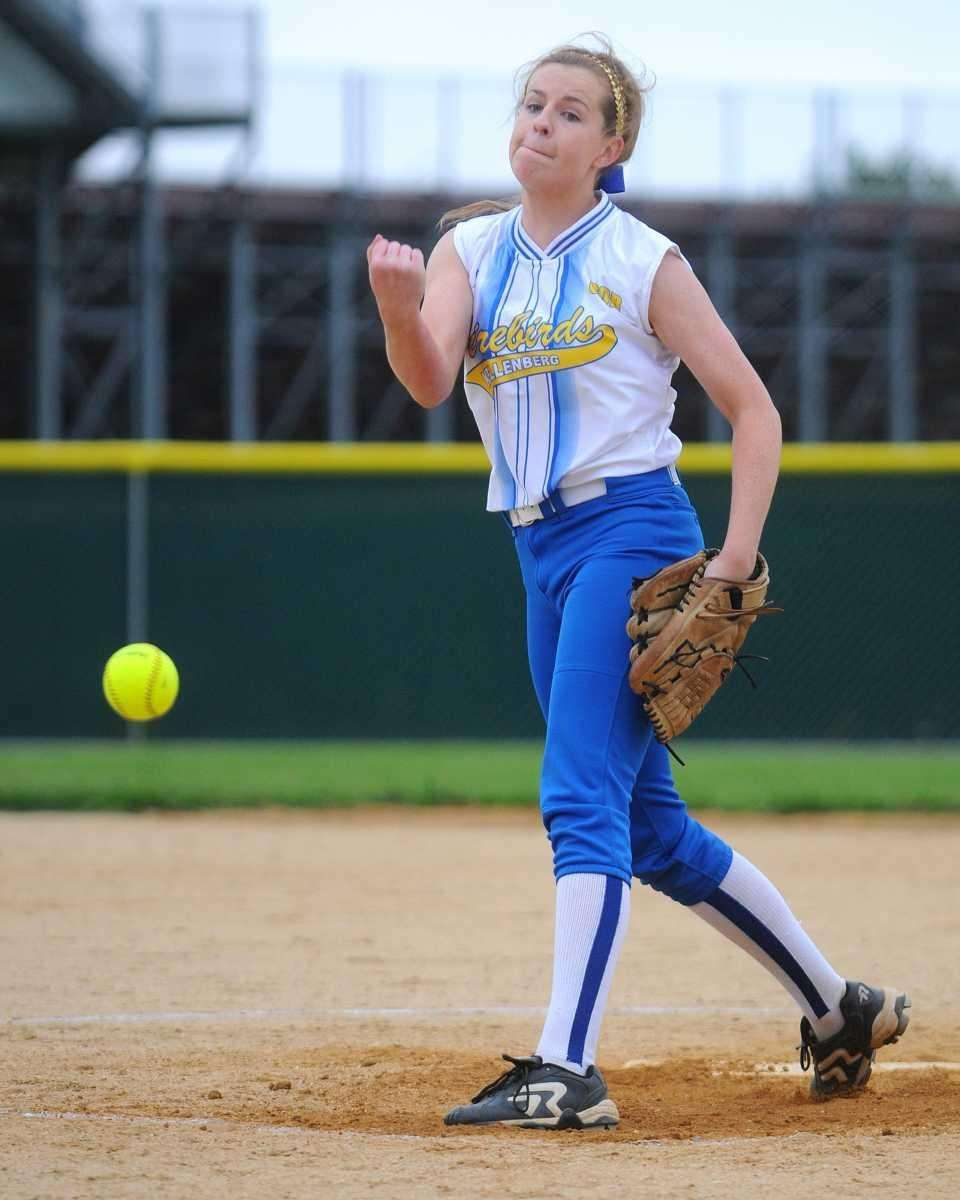 Kellenberg's Susan Pardo pitches against St. John the