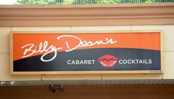 Billy Dean's Showtime Cafe in the Bellmore (May