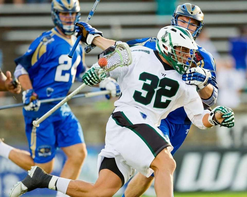 Greg Gurenlian of the Long Island Lizards tries