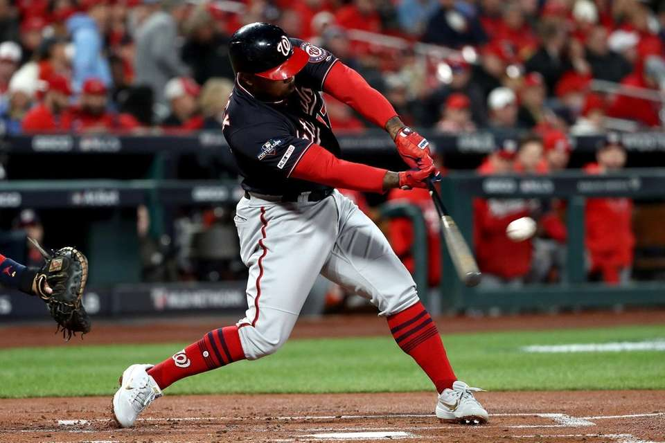 Howie Kendrick of the Washington Nationals hits a