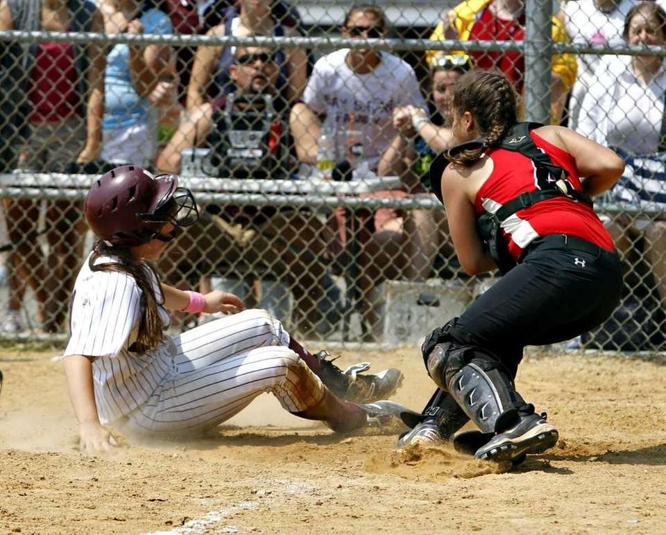 In a crucial play, Bay Shore's Courtney Syrett